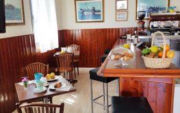 cafetería hostal los rosales conil